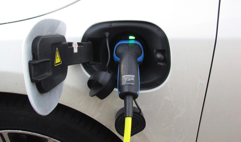 servicio gratuito carga coches eléctricos
