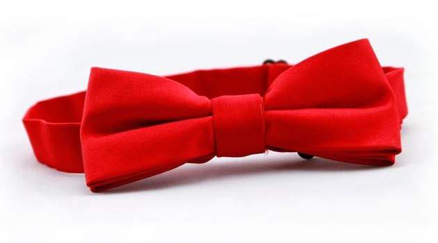 Pajarita roja de Balbino Bernal